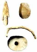 Cronica Cercetărilor Arheologice din România, Campania 2000. Raportul nr. 90, Iedera De Jos, Dealul Cet&#259;&#355;uia<br /><a href='http://foto.cimec.ro/cronica/2000/090/p3jpg.jpg' target=_blank>Priveşte aceeaşi imagine într-o fereastră nouă</a>