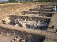 Chronicle of the Archaeological Excavations in Romania, 2000 Campaign. Report no. 140, Ostrov, Ferma 4 (Regie)<br /><a href='http://foto.cimec.ro/cronica/2000/140/fig1.jpg' target=_blank>Display the same picture in a new window</a>