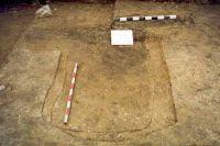 Chronicle of the Archaeological Excavations in Romania, 2001 Campaign. Report no. 181, Roşia Montană, Cârnic (Piatra Corbului).<br /> Sector Imagini_detaliu_necropola.<br /><a href='http://foto.cimec.ro/cronica/2001/181/Imagini-detaliu-necropola/074.JPG' target=_blank>Display the same picture in a new window</a>