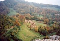 Chronicle of the Archaeological Excavations in Romania, 2001 Campaign. Report no. 181, Roşia Montană, Cârnic (Piatra Corbului).<br /> Sector Imagini_generale.<br /><a href='http://foto.cimec.ro/cronica/2001/181/Imagini-generale/03.jpg' target=_blank>Display the same picture in a new window</a>