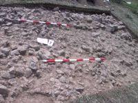 Cronica Cercetărilor Arheologice din România, Campania 2001. Raportul nr. 183, Roşia Montană, Tăul Secuilor (Pârâul Porcului).<br /> Sectorul Imagini.<br /><a href='http://foto.cimec.ro/cronica/2001/183/Imagini/20-august-s4-2.JPG' target=_blank>Priveşte aceeaşi imagine într-o fereastră nouă</a>