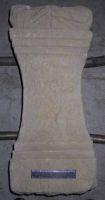 Cronica Cercetărilor Arheologice din România, Campania 2001. Raportul nr. 183, Roşia Montană, Tăul Secuilor (Pârâul Porcului).<br /> Sectorul Imagini.<br /><a href='http://foto.cimec.ro/cronica/2001/183/Imagini/ALTAR1.JPG' target=_blank>Priveşte aceeaşi imagine într-o fereastră nouă</a>