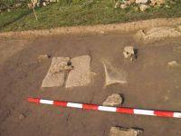 Cronica Cercetărilor Arheologice din România, Campania 2001. Raportul nr. 183, Roşia Montană, Tăul Secuilor (Pârâul Porcului).<br /> Sectorul Imagini.<br /><a href='http://foto.cimec.ro/cronica/2001/183/Imagini/dalea-s1-2-3.JPG' target=_blank>Priveşte aceeaşi imagine într-o fereastră nouă</a>