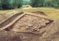 Chronicle of the Archaeological Excavations in Romania, 2002 Campaign. Report no. 2, Gura Cornei, Valea Seliştei.<br /> Sector foto.<br /><a href='http://foto.cimec.ro/cronica/2002/002/foto/22-pl-xxii-32.jpg' target=_blank>Display the same picture in a new window</a>