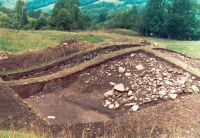 Chronicle of the Archaeological Excavations in Romania, 2002 Campaign. Report no. 2, Gura Cornei, Valea Seliştei.<br /> Sector foto.<br /><a href='http://foto.cimec.ro/cronica/2002/002/foto/23-pl-xxiii-34.jpg' target=_blank>Display the same picture in a new window</a>