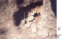Cronica Cercetărilor Arheologice din România, Campania 2002. Raportul nr. 82, Garvăn, Bisericuţa (Bisericuţa)<br /><a href='http://foto.cimec.ro/cronica/2002/082/fig1-din2002-carou6.jpg' target=_blank>Priveşte aceeaşi imagine într-o fereastră nouă</a>