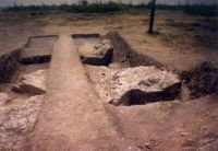 Chronicle of the Archaeological Excavations in Romania, 2002 Campaign. Report no. 101, Isaccea, La Pontonul Vechi (Cetate, Eski-kale)<br /><a href='http://foto.cimec.ro/cronica/2002/101/2-3.jpg' target=_blank>Display the same picture in a new window</a>