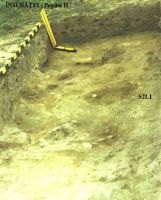 Chronicle of the Archaeological Excavations in Romania, 2002 Campaign. Report no. 104, Însurăţei, Popina B (Popina II, Ruptă)<br /><a href='http://foto.cimec.ro/cronica/2002/104/ins-p2-2002-s1l2.jpg' target=_blank>Display the same picture in a new window</a>
