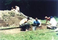 Chronicle of the Archaeological Excavations in Romania, 2002 Campaign. Report no. 112, Lunca, Poiana Slatinei<br /><a href='http://foto.cimec.ro/cronica/2002/112/lunca-fig-4.jpg' target=_blank>Display the same picture in a new window</a>