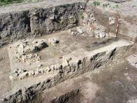 Cronica Cercetărilor Arheologice din România, Campania 2002. Raportul nr. 128, Nufăru, I. Rubanschi<br /><a href='http://foto.cimec.ro/cronica/2002/128/pl-4.jpg' target=_blank>Priveşte aceeaşi imagine într-o fereastră nouă</a>