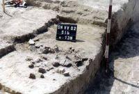 Cronica Cercetărilor Arheologice din România, Campania 2002. Raportul nr. 170, Satu Nou, Valea lui Voicu<br /><a href='http://foto.cimec.ro/cronica/2002/170/04.jpg' target=_blank>Priveşte aceeaşi imagine într-o fereastră nouă</a>
