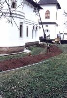 Chronicle of the Archaeological Excavations in Romania, 2002 Campaign. Report no. 195, Surpatele, La mănăstire<br /><a href='http://foto.cimec.ro/cronica/2002/195/foto1.jpg' target=_blank>Display the same picture in a new window</a>