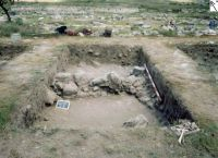 Chronicle of the Archaeological Excavations in Romania, 2003 Campaign. Report no. 3, Adamclisi, Cetate.<br /> Sector sectorD.<br /><a href='http://foto.cimec.ro/cronica/2003/003/adamclisi-s19a-bas-d.jpg' target=_blank>Display the same picture in a new window</a>