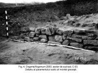 Chronicle of the Archaeological Excavations in Romania, 2003 Campaign. Report no. 97, Jurilovca, Capul Dolojman.<br /> Sector sectorIAB.<br /><a href='http://foto.cimec.ro/cronica/2003/097/sectorIAB/jurilovca-argamum-4-sector-iab.jpg' target=_blank>Display the same picture in a new window</a>