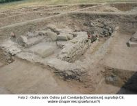 Chronicle of the Archaeological Excavations in Romania, 2003 Campaign. Report no. 136, Ostrov, Ferma 4 (Regie)<br /><a href='http://foto.cimec.ro/cronica/2003/136/Ostrov-Durostorum-2.JPG' target=_blank>Display the same picture in a new window</a>