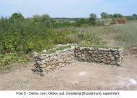 Chronicle of the Archaeological Excavations in Romania, 2003 Campaign. Report no. 136, Ostrov, Ferma 4 (Regie)<br /><a href='http://foto.cimec.ro/cronica/2003/136/Ostrov-Durostorum-5.JPG' target=_blank>Display the same picture in a new window</a>