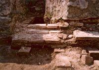 Cronica Cercetărilor Arheologice din România, Campania 2003. Raportul nr. 142, Pietroasele, Valea Bazinului (La puţul lui Cârnu Puche)<br /><a href='http://foto.cimec.ro/cronica/2003/142/Pietroasele-Labrum.jpg' target=_blank>Priveşte aceeaşi imagine într-o fereastră nouă</a>