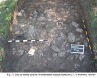 Chronicle of the Archaeological Excavations in Romania, 2003 Campaign. Report no. 172, Sântimbru, Biserica Reformată<br /><a href='http://foto.cimec.ro/cronica/2003/172/santimbru-biserica-reformata-10.JPG' target=_blank>Display the same picture in a new window</a>