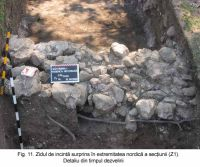 Chronicle of the Archaeological Excavations in Romania, 2003 Campaign. Report no. 172, Sântimbru, Biserica Reformată<br /><a href='http://foto.cimec.ro/cronica/2003/172/santimbru-biserica-reformata-11.JPG' target=_blank>Display the same picture in a new window</a>