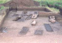 Chronicle of the Archaeological Excavations in Romania, 2004 Campaign. Report no. 19, Alba Iulia, str. Brânduşei<br /><a href='http://foto.cimec.ro/cronica/2004/019/rsz-1.jpg' target=_blank>Display the same picture in a new window</a>
