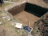 Chronicle of the Archaeological Excavations in Romania, 2004 Campaign. Report no. 22, Alba Iulia, Sediul guvernatorului consular (Mithraeum III)<br /><a href='http://foto.cimec.ro/cronica/2004/022/rsz-4.jpg' target=_blank>Display the same picture in a new window</a>
