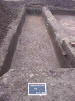 Chronicle of the Archaeological Excavations in Romania, 2004 Campaign. Report no. 28, Alba Iulia, Sediul guvernatorului consular (Mithraeum III)<br /><a href='http://foto.cimec.ro/cronica/2004/028/rsz-4.jpg' target=_blank>Display the same picture in a new window</a>