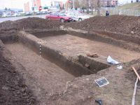 Chronicle of the Archaeological Excavations in Romania, 2004 Campaign. Report no. 28, Alba Iulia, Sediul guvernatorului consular (Mithraeum III)<br /><a href='http://foto.cimec.ro/cronica/2004/028/rsz-5.jpg' target=_blank>Display the same picture in a new window</a>