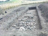Chronicle of the Archaeological Excavations in Romania, 2004 Campaign. Report no. 64, Călugăreni, Ţinutul Cetăţii (Vártartomny).<br /> Sector Ilustratie-Cal-2018.<br /><a href='http://foto.cimec.ro/cronica/2004/064/rsz-5.jpg' target=_blank>Display the same picture in a new window</a>
