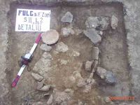 Chronicle of the Archaeological Excavations in Romania, 2004 Campaign. Report no. 100, Fulgeriş, La Trei Cireşi (Dealul Fulgeriş)<br /><a href='http://foto.cimec.ro/cronica/2004/100/rsz-4.jpg' target=_blank>Display the same picture in a new window</a>