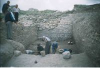 Chronicle of the Archaeological Excavations in Romania, 2004 Campaign. Report no. 112, Hârşova, La Cetate (Carsium)<br /><a href='http://foto.cimec.ro/cronica/2004/112/rsz-2.jpg' target=_blank>Display the same picture in a new window</a>