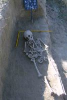 Chronicle of the Archaeological Excavations in Romania, 2004 Campaign. Report no. 122, Isaccea, La Pontonul Vechi (Cetate, Eski-kale)<br /><a href='http://foto.cimec.ro/cronica/2004/122/rsz-7.jpg' target=_blank>Display the same picture in a new window</a>