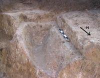 Cronica Cercetărilor Arheologice din România, Campania 2004. Raportul nr. 142, Mangalia, str. Horea, Cloşca şi Crişan, nr. 3 [Callatis]<br /><a href='http://foto.cimec.ro/cronica/2004/142/rsz-1.jpg' target=_blank>Priveşte aceeaşi imagine într-o fereastră nouă</a>