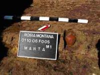 Chronicle of the Archaeological Excavations in Romania, 2004 Campaign. Report no. 189, Roşia Montană, Tăul Secuilor (Pârâul Porcului)<br /><a href='http://foto.cimec.ro/cronica/2004/189/rsz-11.jpg' target=_blank>Display the same picture in a new window</a>