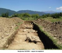 Chronicle of the Archaeological Excavations in Romania, 2005 Campaign. Report no. 48, Bumbeşti-Jiu, Gară<br /><a href='http://foto.cimec.ro/cronica/2005/048/rsz-1.jpg' target=_blank>Display the same picture in a new window</a>
