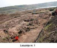 Chronicle of the Archaeological Excavations in Romania, 2005 Campaign. Report no. 51, Căscioarele, D-aia parte<br /><a href='http://foto.cimec.ro/cronica/2005/051/rsz-1.jpg' target=_blank>Display the same picture in a new window</a>