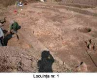 Chronicle of the Archaeological Excavations in Romania, 2005 Campaign. Report no. 51, Căscioarele, D-aia parte<br /><a href='http://foto.cimec.ro/cronica/2005/051/rsz-2.jpg' target=_blank>Display the same picture in a new window</a>