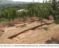 Chronicle of the Archaeological Excavations in Romania, 2006 Campaign. Report no. 1, Adam, Mănăstirea Adam (Biserica Veche)<br /><a href='http://foto.cimec.ro/cronica/2006/001/rsz-26.jpg' target=_blank>Display the same picture in a new window</a>