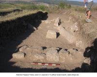Chronicle of the Archaeological Excavations in Romania, 2006 Campaign. Report no. 2, Adamclisi, Cetate.<br /> Sector sectorD.<br /><a href='http://foto.cimec.ro/cronica/2006/002/rsz-31.jpg' target=_blank>Display the same picture in a new window</a>