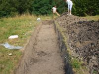 Chronicle of the Archaeological Excavations in Romania, 2007 Campaign. Report no. 19, Brăduţ, Dealul Rotund<br /><a href='http://foto.cimec.ro/cronica/2007/019-BRADUT-CV-DealulRotund-C/DSCF0131.jpg' target=_blank>Display the same picture in a new window</a>