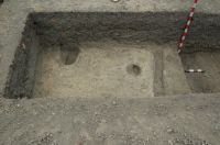 Chronicle of the Archaeological Excavations in Romania, 2007 Campaign. Report no. 68, Frumuşeni, Mănăstirea Bizere (Fântâna Turcului)<br /><a href='http://foto.cimec.ro/cronica/2007/068-FRUMUSENI-AR-ManBizere-C/cladire-la-vest-de-palat-2.JPG' target=_blank>Display the same picture in a new window</a>