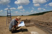 Chronicle of the Archaeological Excavations in Romania, 2007 Campaign. Report no. 68, Frumuşeni, Mănăstirea Bizere (Fântâna Turcului)<br /><a href='http://foto.cimec.ro/cronica/2007/068-FRUMUSENI-AR-ManBizere-C/foto-general-1.JPG' target=_blank>Display the same picture in a new window</a>