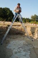 Chronicle of the Archaeological Excavations in Romania, 2007 Campaign. Report no. 68, Frumuşeni, Mănăstirea Bizere (Fântâna Turcului)<br /><a href='http://foto.cimec.ro/cronica/2007/068-FRUMUSENI-AR-ManBizere-C/foto-general-3.JPG' target=_blank>Display the same picture in a new window</a>