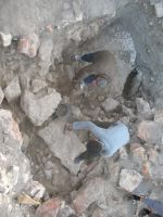 Chronicle of the Archaeological Excavations in Romania, 2007 Campaign. Report no. 75, Hârşova, Tell<br /><a href='http://foto.cimec.ro/cronica/2007/075-HARSOVA-CT-Carsium-C/foto-25-restul-zidului-cu-nucleul-din-pietre-mari.jpg' target=_blank>Display the same picture in a new window</a>