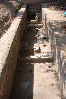 Cronica Cercetărilor Arheologice din România, Campania 2007. Raportul nr. 187, Timişoara, Freidorf<br /><a href='http://foto.cimec.ro/cronica/2007/187-TIMISOARA-TM-CastelHuniade-2/fig-1-s-1-vedere-generala-dinspre-e.JPG' target=_blank>Priveşte aceeaşi imagine într-o fereastră nouă</a>