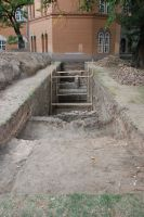 Chronicle of the Archaeological Excavations in Romania, 2007 Campaign. Report no. 187, Timişoara, Castelul Huniade<br /><a href='http://foto.cimec.ro/cronica/2007/187-TIMISOARA-TM-CastelHuniade-2/fig-2-s-1-vedere-generala-dinspre-e.JPG' target=_blank>Display the same picture in a new window</a>