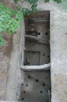 Cronica Cercetărilor Arheologice din România, Campania 2007. Raportul nr. 187, Timişoara, Freidorf<br /><a href='http://foto.cimec.ro/cronica/2007/187-TIMISOARA-TM-CastelHuniade-2/fig-3-s-2-vedere-generala-dinspre-vest.JPG' target=_blank>Priveşte aceeaşi imagine într-o fereastră nouă</a>