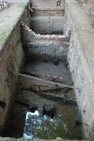 Cronica Cercetărilor Arheologice din România, Campania 2007. Raportul nr. 187, Timişoara, Freidorf<br /><a href='http://foto.cimec.ro/cronica/2007/187-TIMISOARA-TM-CastelHuniade-2/fig-8-s-2-vedere-generala-dinspre-est.JPG' target=_blank>Priveşte aceeaşi imagine într-o fereastră nouă</a>