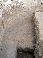 Cronica Cercetărilor Arheologice din România, Campania 2008. Raportul nr. 52, Murighiol, La Cetate (Bataraia)<br /><a href='http://foto.cimec.ro/cronica/2008/052/fig-3-strat-de-caramida-protectie-impotriva-umezelii.JPG' target=_blank>Priveşte aceeaşi imagine într-o fereastră nouă</a>