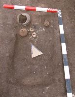 Chronicle of the Archaeological Excavations in Romania, 2008 Campaign. Report no. 113, Alba Iulia, Podei (Dealul Furcilor)<br /><a href='http://foto.cimec.ro/cronica/2008/113/fig-2-mormant-de-incineratie-de-tip-ustrinum.jpg' target=_blank>Display the same picture in a new window</a>