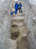 Cronica Cercetărilor Arheologice din România, Campania 2008. Raportul nr. 143, Constanţa, Poarta de Nord<br /><a href='http://foto.cimec.ro/cronica/2008/143/06-tomis-08-ocpi-siv-gropi-tetrarhice.JPG' target=_blank>Priveşte aceeaşi imagine într-o fereastră nouă</a>
